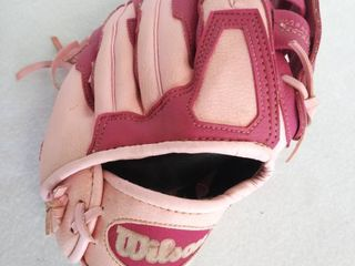 Wilson A300 Youth Girls Pink Baseball T Ball Glove   Right Hand Throw