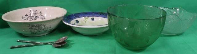 4 Glass Serving Bowls   Utensils