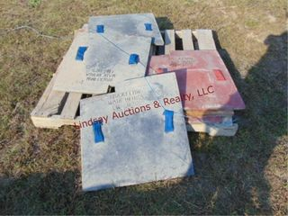 Pallet of approx 9 brick forms