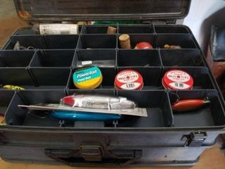 MAGNUM OVER AND UNDER PlANO TACKlE BOX WITH