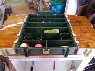 PlANO 767 TACKlE BOX WITH FISHING ITEMS