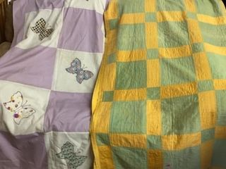 BUTTERFlY QUIlT TOP 68IJ BY 78IJ AND GREEN  YEllOW