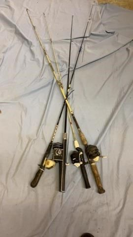 4 FISHING ROD AND REElS AND ONE WITH NO lINE OR