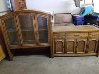 SOlID WOOD lIGHTED CHINA HUTCH