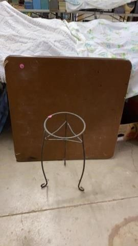 CARD TABlE AND PlANT STAND