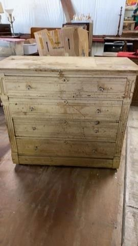 ANTIQUE RUSTIC CABINET WITH 4 DRAWERS