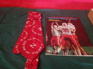 GO BIG RED TIE  1972 SPORTS IllUSTRATED FEATURING