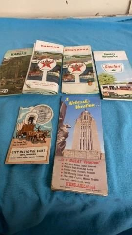 VINTAGE MAPS AND COIN SAVINGS FOlDER