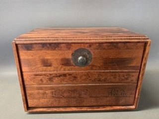 Pain Bread Box with Decorative Handle