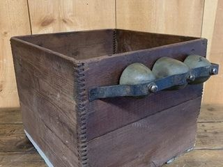 Finger Joint Box with Merchant Bells