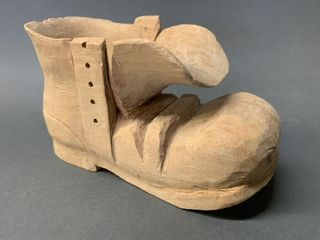 G E Swann Crica 1924 OlD BOOT Carving 5