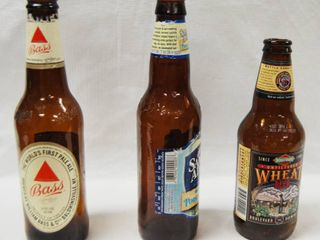 HUGE lot of Beer Bottles Empty   Great for Re Bottling Beer  See Photos