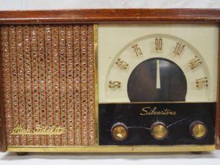 Vintage Silverton Radio  757 15001  Sears   Roebuck and Co