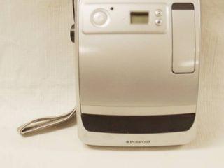 Vintage Polaroid Camera  one 600  100mm Focus Range 2ft