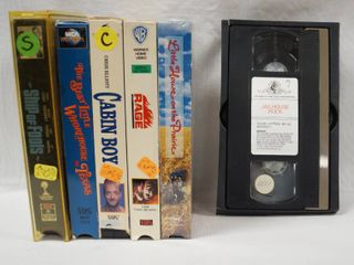lot of 6 VHS Movies  See Photos  Christmas One Included in the Movies