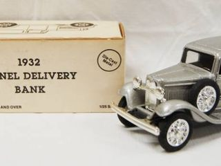 Collectible 1932 Panel Delivery Bank   Barq s  Die Cast Metal  locking Coin Bank w Key