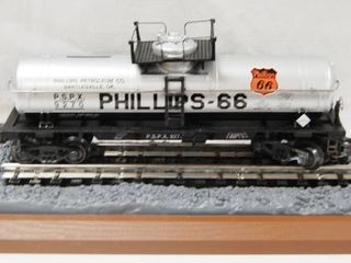 Collectible Phillips Petroleum Riveted Tank Car   limited 1 of 1200  See Photos