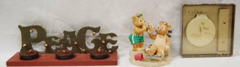 Christmas Decor   Misc  Peace  w 3 Candles  Cute Figurine  The Magic Focus   In Original Box