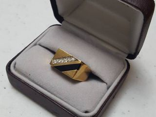 Ring  gift box in poor condition