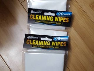 3  20 packs cleaning wipes