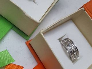2 Rings in gift boxes