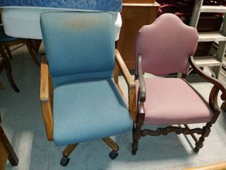 lot of 2 Vintage large Office Chairs   One Chair is on Casters