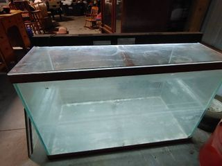 Extra large 150 Gallon Aquariam Tank with 48  Fluorescent light   32  T x 48  W x 24  l