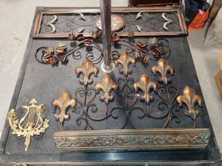 lot of 7 Metal and Wood Wall Decor Items   9  to 48  W  12  to 30  T