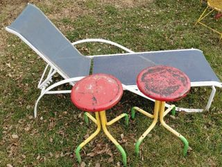 Outdoor Tilting Chair   2 Metal Stools