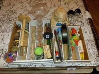 large lot of Tropical Themed Decor Items  3
