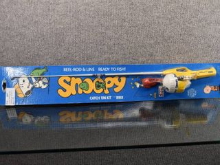 Vintage NIP Snoopy Catch em Kit Fishing Pole   Zebco   Original Box   Instructions