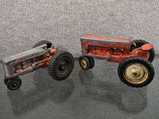 Vintage lot of 2 Hubley Jr Farm Tractor   unmarked Tractor   Steel   7 8
