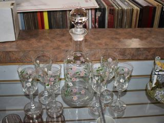 Vintage lot of 7 Brandy Decanter w  6 Glasses Pretty Pink Flowers   6  glasses  12 1 2  Decanter