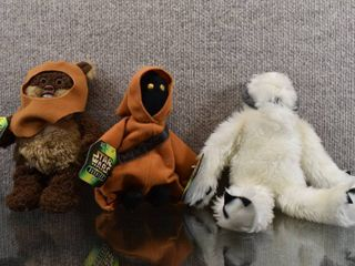 Vintage lot of 3 Star Wars Stuffed Buddies Jawa  Wampa   Wicket   Kenner Hasbro Toy Company