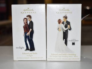 Vintage lot of 2 Hallmark Keepsake Christmas Ornament Twilight Series   Edward   Bella  Edward   Bell Wedding
