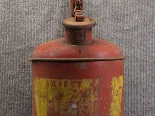 Vintage Eagle Gas Can Red Metal   Safety Spout   1 Gallon