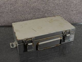 Vintage First Aid Kit Metal Case FF32   Mine Safety Appliances Company   Wall Hanging   5  x 8