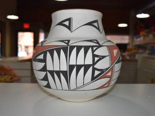 Vintage Native American Pottery    950 D T  Acoma Albuquerque   9  Tall
