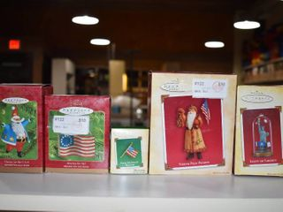 Vintage lot of 5 Hallmark Keepsake Ornaments   Flags  liberty Statue  Patriot Santa