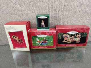 Vintage lot of 4 Hallmark Keepsake Ornaments   Collector   Santa s Sleighs   Santa