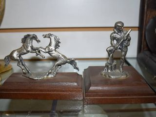 Vintage Set of 21 Wood Based Pewter like Horses and Mountain Man Figures   4  Tall