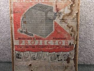 Vintage Magna Vue Projector in Original Box   Handy Manufacturing Co