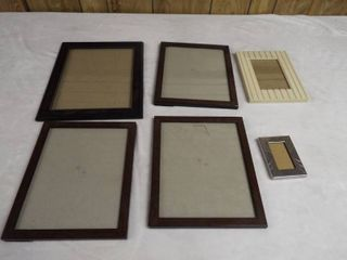 lot of various picture frame s
