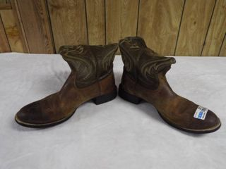 Men s Ariat boot s  size 13D