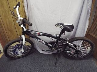 Boy s 20  Thruster BMX bike