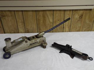 lot with 1 scissor jack and 1 ACDelco 2 ton  4 000lbs trolley jack