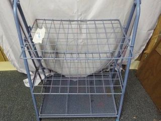 Small metal rack  22 5  W  14  D  31  T