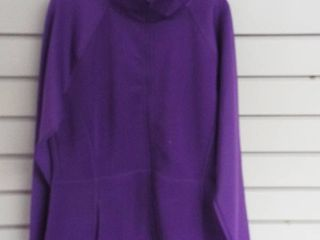 Avia girl s sweater  size l  10 12