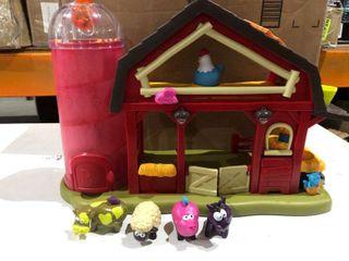Toy Farm Barn House With 4 Farm Animal s Included