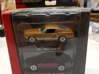 Greenlight Collectibles Ford 1967 Mustang GT 2008 Mustang GT coupe
